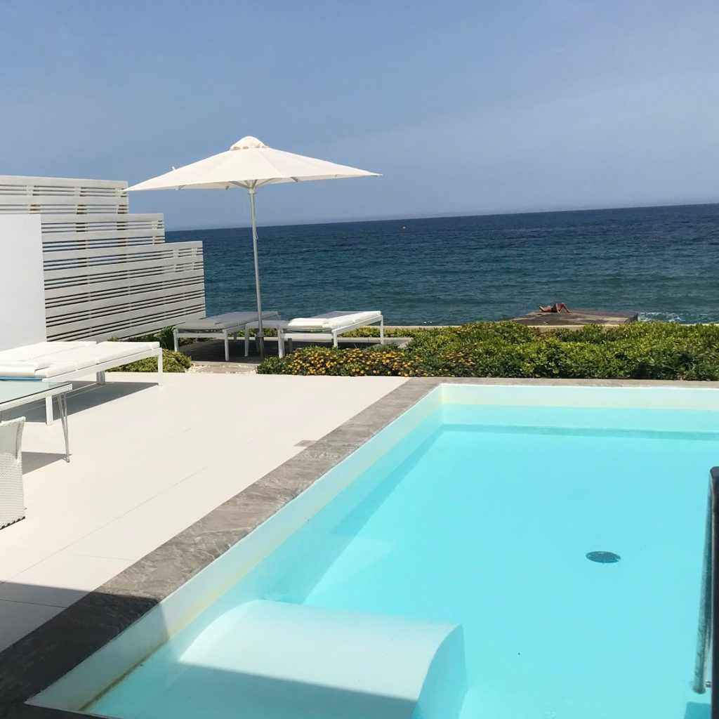 Grechotel - private pool